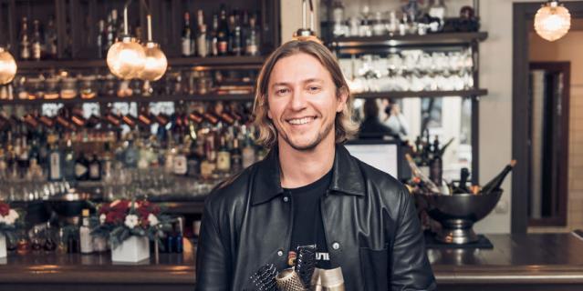 Игорь Кимяшов, национальный стилист бренда WELLA по волосам.