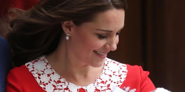 Супруга принца Уильяма Кейт Миддлтон стала мамой в третий раз.