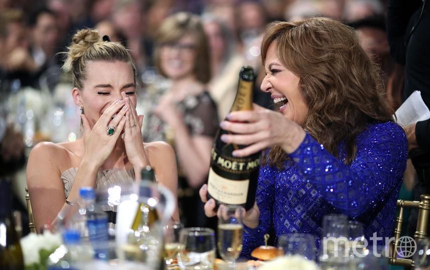 "Актрисы Марго Робби и Эллисон Дженни на банкете на 23-й ежегодной премии ""Выбор критиков"" в Санта-Монике.. Фото Getty"