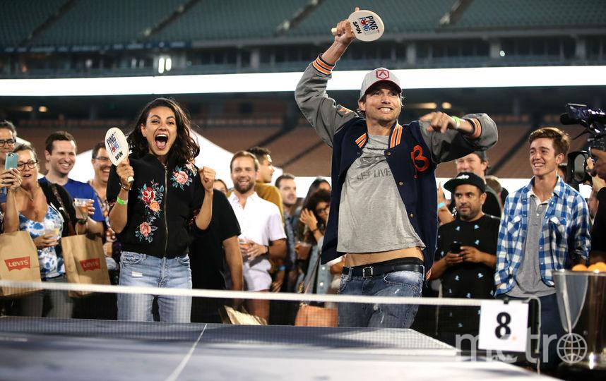 Звездная пара Мила Кунис и Эштон Кутчер на шестом ежегодном мероприятии по пинг-понгу Клейтона Кершоу. Фото Getty