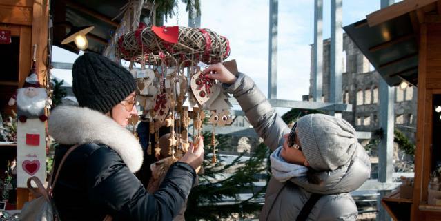 Рождественская ярмарка в Аосте.