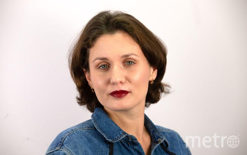 Пример новогоднего макияжа с акцентом на губах и лёгким сиянием кожи. Фото Василий Кузьмичёнок, Анна Храмцова