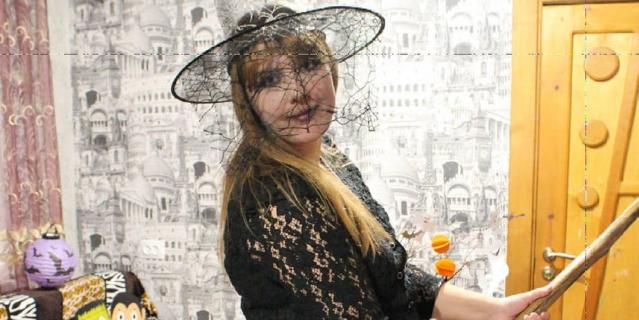 """К Хеллоуину (31 октября) тоже не ленитесь, вырезайте тыквы и наряжайтесь симпатичной нечистью – думайте о """"лайках""""."""