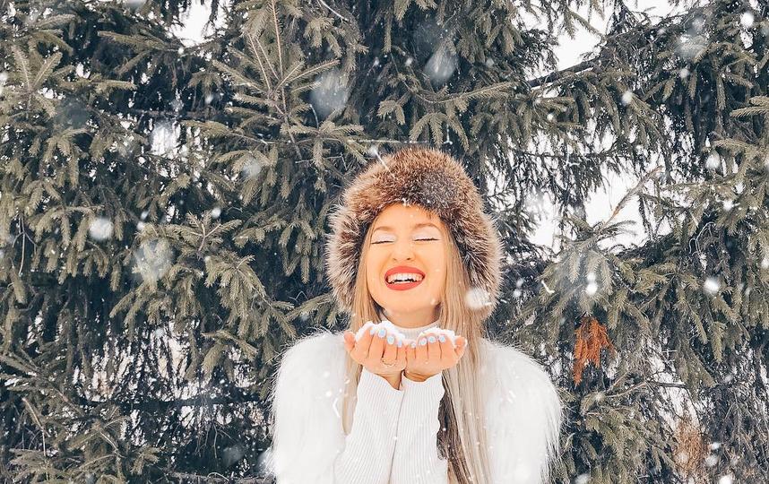 Обязательные фотосессии для конца года: #первыйснег и #новогоднийкорпоративчик. Фото instagram/katerinakursh
