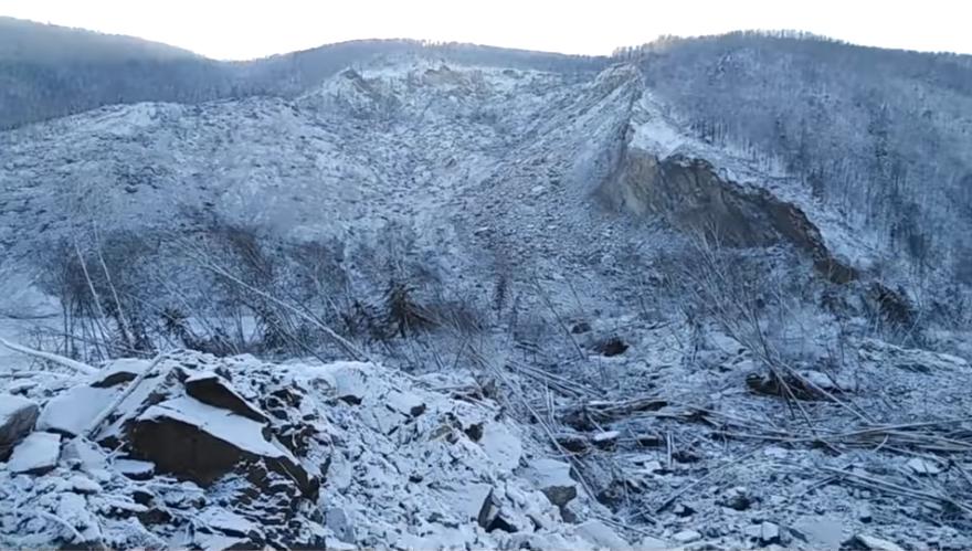 Упавший метеорит снёс вершину сопки. Фото Скриншот https://www.youtube.com/watch?v=I158OxgdX8g, Скриншот Youtube