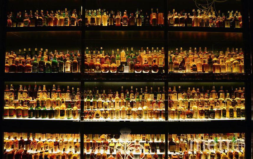 Учёные: Сокращение употребления алкоголя поможет бросить курить. Фото Getty