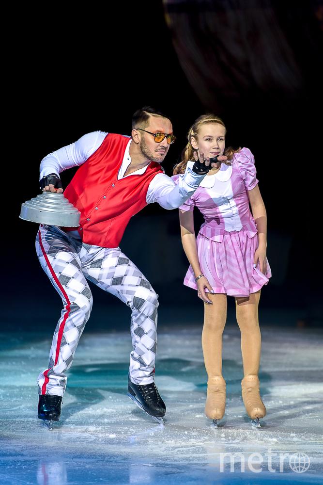 """""""Алиса в стране чудес"""" на льду в Петербурге."""