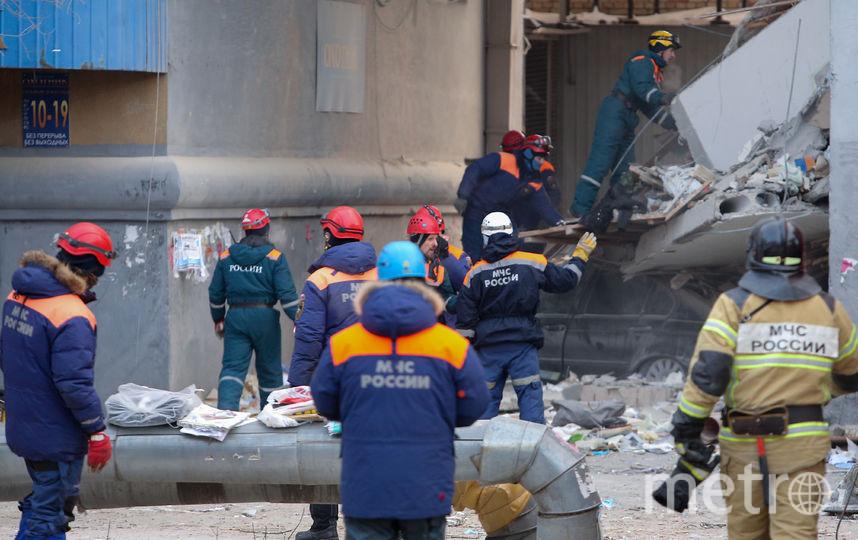 Разбор завалов после обрушения в Магнитогорске. Фото AFP