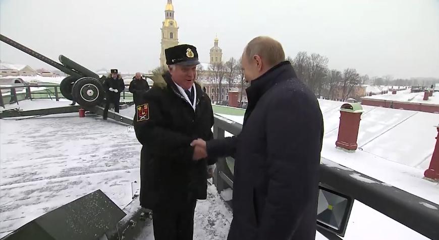 Кадры сюжета о визите президента. Фото Скриншот 78.ru