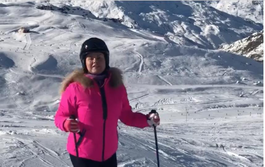 Анна Семенович отправилась на горнолыжный курорт. Фото instagram.com/ann_semenovich