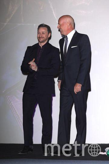 """Премьера фильма """"Стекло"""" в Лондоне. Брюс Уиллис и Джеймс МакЭвой. Фото Getty"""