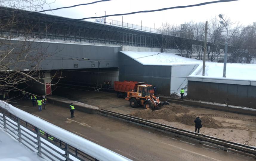 Тушинский тоннель Волоколамского шоссе, подтопленный после провала грунта в шлюзе №8 канала имени Москвы. Фото Скриншот twitter.com/gucodd.