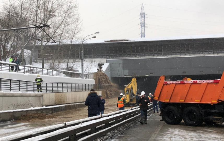 Тушинский тоннель Волоколамского шоссе в Москве, подтопленный после провала грунта в шлюзе №8 канала имени Москвы. Фото Скриншот twitter.com/gucodd.
