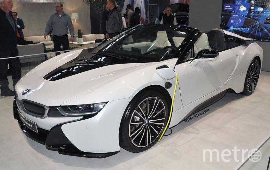 Автосалон в Вене (Vienna Autoshow 2019). BMW i8 Roadstar. Фото Getty