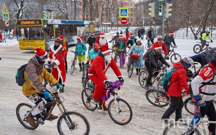 Фото: Велопарад Дедов Морозов и Снегурочек (2018 год). Фото Юлия Леоненко / vk.com/bikededmoroz, vk.com
