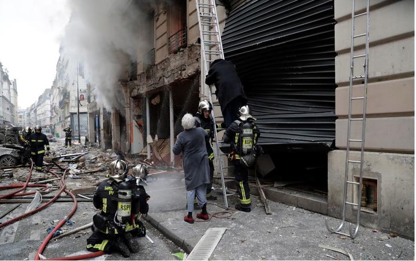 Взрыв в доме в Париже. Фото AFP