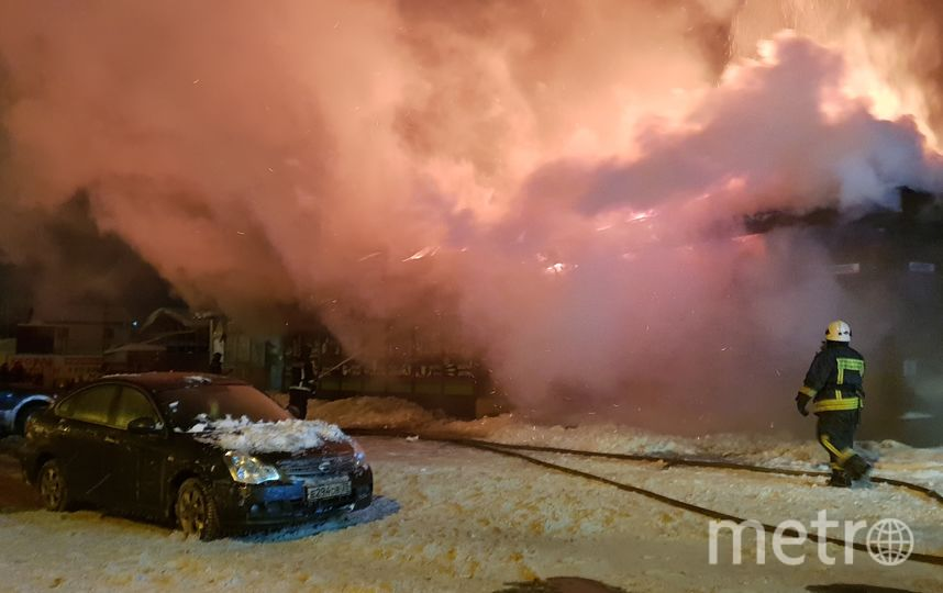 Под Петербургом почти дотла выгорело кафе. Фото 47.mchs.gov.ru