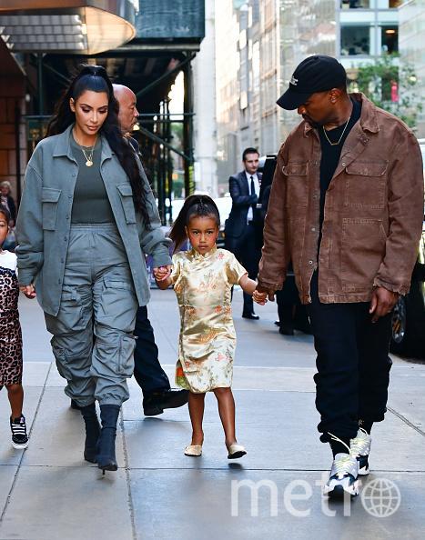 Ким Кардашьян-Уэст с семьёй. Фото Getty