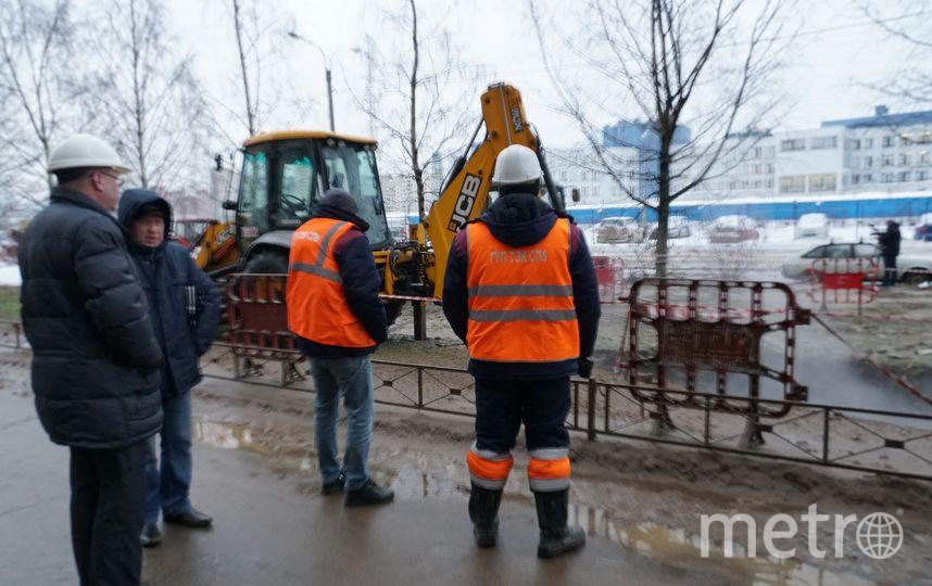 Локализация коммунальной аварии. Фото gov.spb.ru