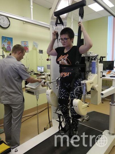"""Для восстановления 16-летней Дианы  Савенковой, получившей тяжёлую травму спинного мозга, применяют самые современные реабилитационные технологии. Фото Ольга Рябинина, """"Metro"""""""