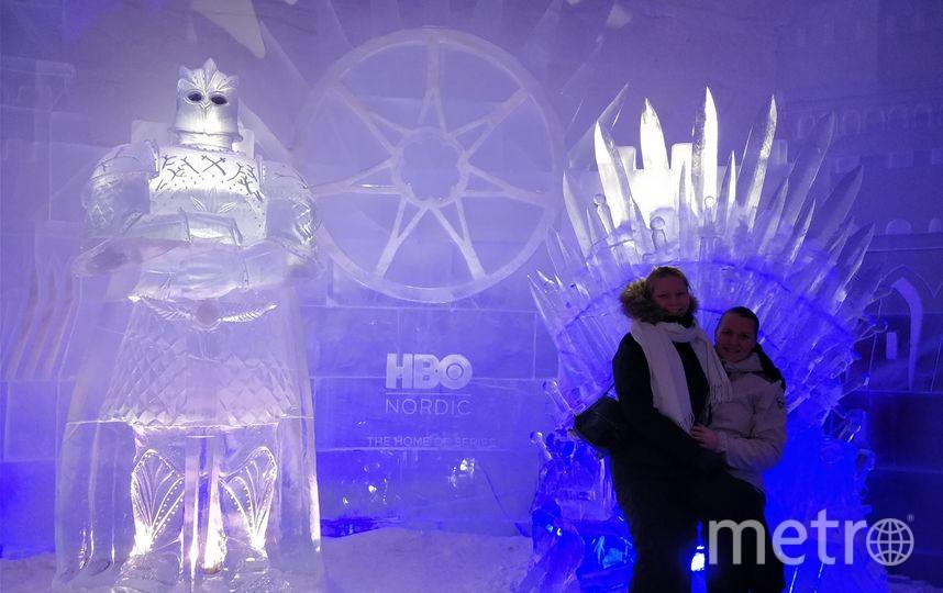 Один из номеров украшает фигура рыцаря по прозвищу Гора. Фото Lapland Hotels SnowVillage.