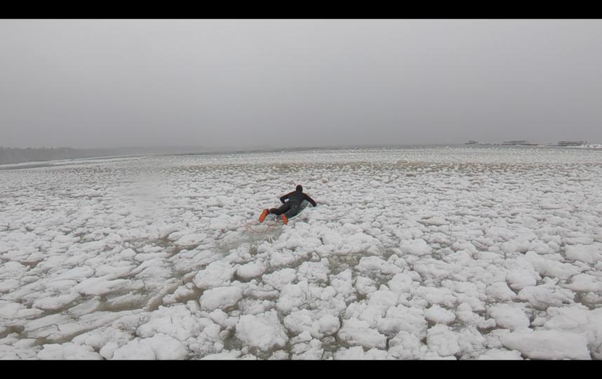 """Главное – быть аккуратнее на льду . Фото  instagram @philspiridonov, """"Metro"""""""