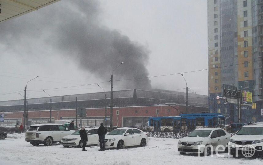 Фото пожара на Ленинском проспекте в Петербурге. Фото https://vk.com/spb_today