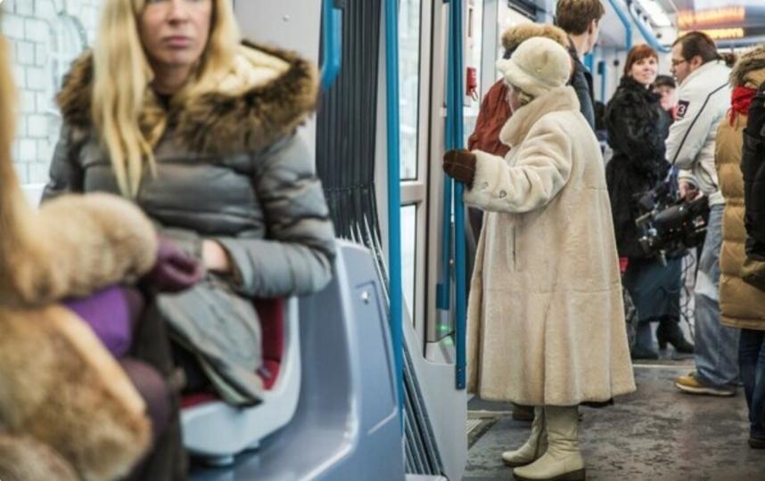 Проезд для блокадников сделают бесплатным на три дня в Петербурге. Фото electrotrans.spb.ru