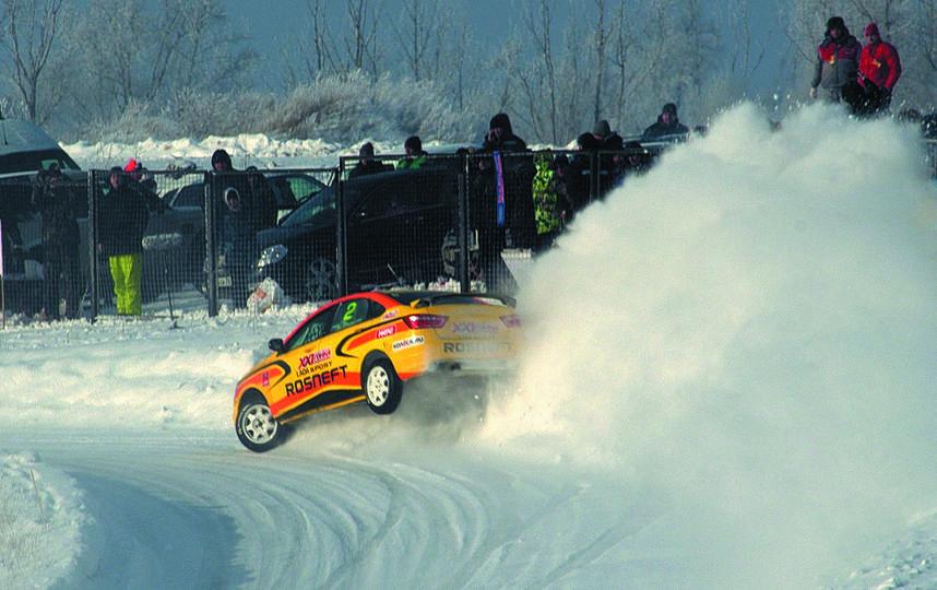 Трёхкрантный победитель Гонки Чемпионов забирает в качестве приза автомобиль LADA Vesta. Фото vk.ru, Предоставлено организаторами