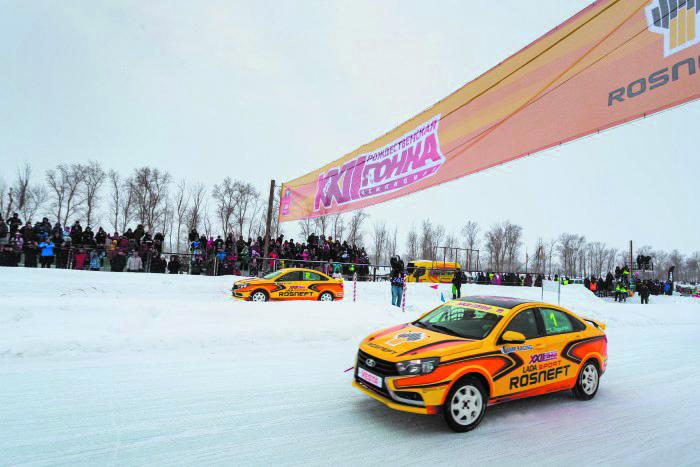 Специально подготовленные, спортивные LADA Vesta уходят со старта парами. Фото vk.ru, Предоставлено организаторами