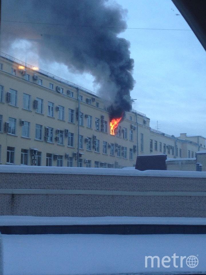 Пожар в Арбитражном суде. Фото https://vk.com/spb_today?w=wall-68471405_10368020, vk.com