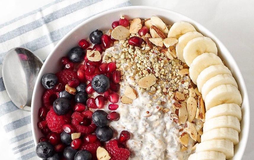 После бега нужно употребить в пищу углеводные продукты, поскольку именно они восполняют утраченные глюкозу и гликоген. Фото Скриншот instagram.com/supersportmsk