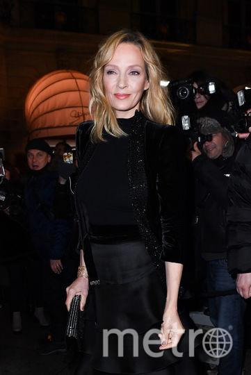 Показ Armani на Неделе моды в Париже. Ума Турман. Фото Getty