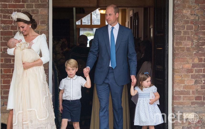 Кейт Миддлтон с мужем и детьми на крещении Луи. Фото Getty