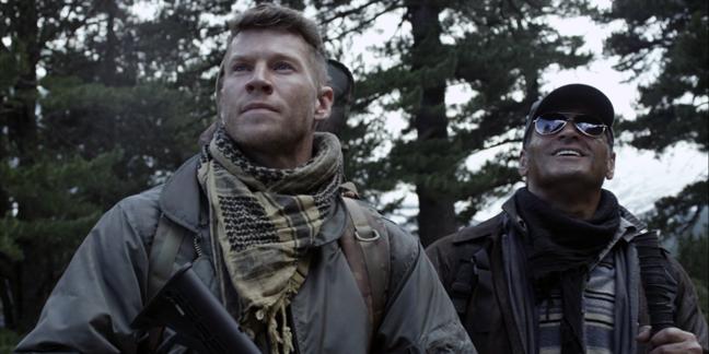 """кадр из х/ф """"Снайпер: Воин призрак""""."""