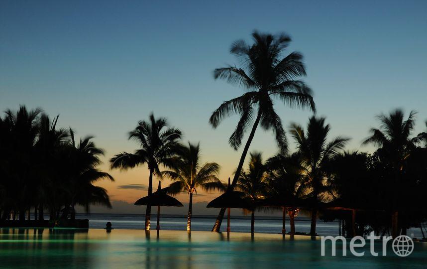 """Вилла со своим бассейном, белоснежный песок, багги, чтобы ездить по острову, а также бесплатный трансфер, завтрак и ужин с видом на заходящее солнце ждут самую стильную пару """"Серебряного Дождя"""". Фото https://pixabay.com/"""