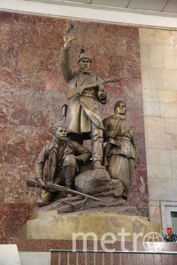 На «Партизанской» есть скульптурная группа партизан, созданная скульптором Матвеем Манизером. Она включает собирательные образы партизан. Фото Василий Кузьмичёнок