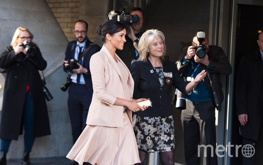 Меган Маркл приехала в Национальный театр Великобритании. Фото AFP