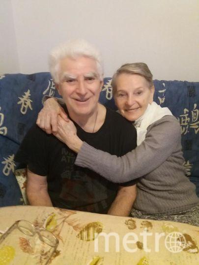 """Идем по жизьни много лет И жизь казалось раем Готов прожить я и 100 лет, Лишь милая должна быть рядом.. Фото Наталья, """"Metro"""""""