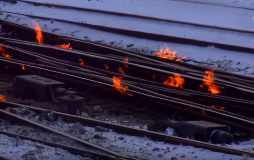 Пламя исходит из газовых обогревателей. Фото Скриншот https://www.youtube.com/watch?v=0HHqZMHRJQ8, Скриншот Youtube