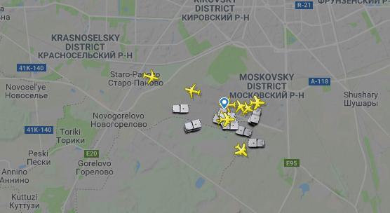 В Петербурге самолеты не могли приземлиться из-за утреннего снегопада. Фото скриншот Flightradar24