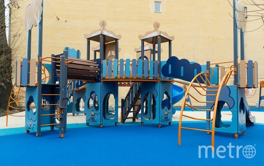 Детская площадка на 3-й Советской преобразилась совсем недавно. Фото vk.com/tvspb