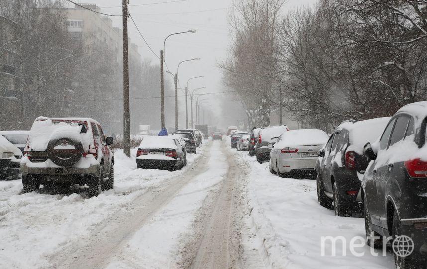 """На уборку снега в Купчино горожане жалуются чаще всего. Фото gov.spb.ru, """"Metro"""""""
