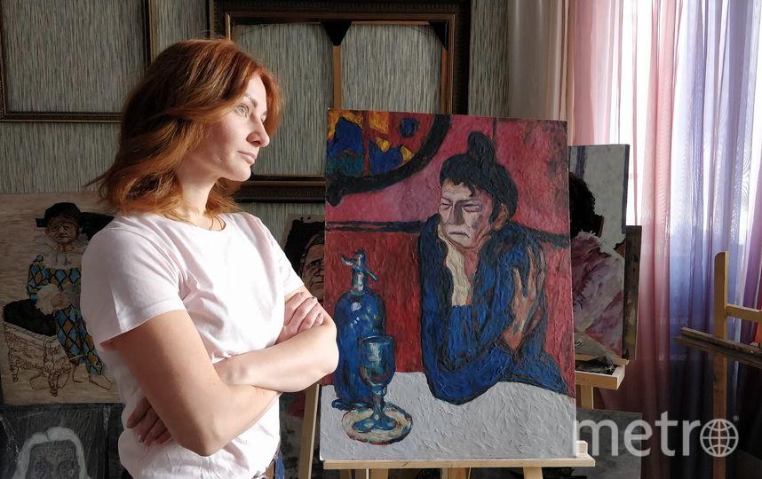 Катерина Нежурина и её картины. Фото Тамара Воробьёва