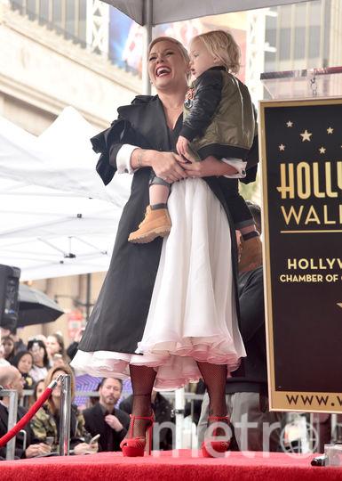 У Пинк появилась именная звезда на Аллее славы в Голливуде. Фото Getty