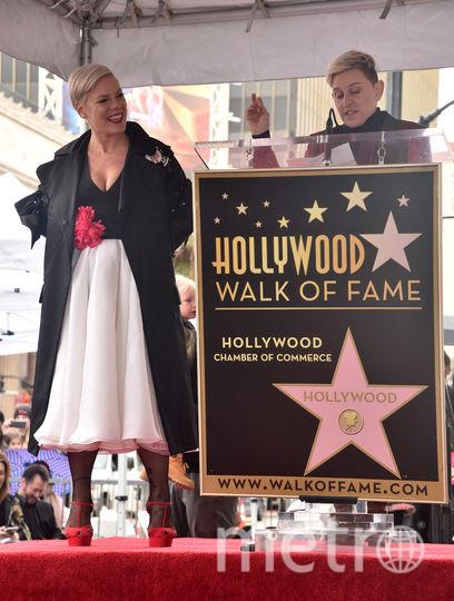 Пинк и ведущая ток-шоу Эллен Дедженерес. Фото Getty