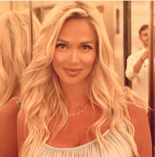 Телеведущая и модель Виктория Лопырёва. Фото www.instagram.com/lopyrevavika