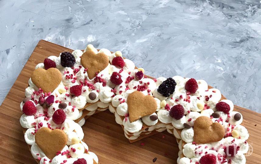 """Десерт """"Одно сердце на...двоих"""". Фото https://www.instagram.com/bella_donnna/?hl=ru, """"Metro"""""""