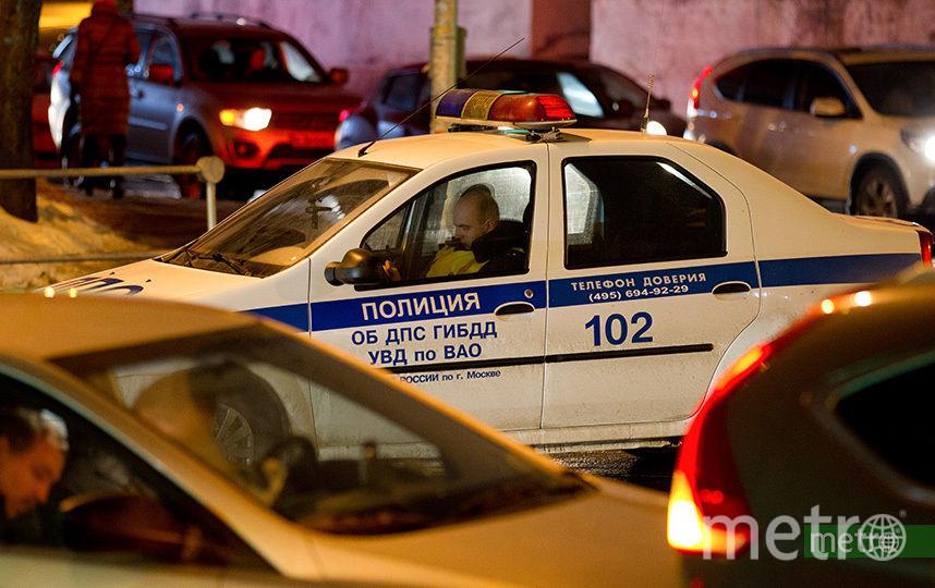 Задержанный мужчина пытался поджечь автомобиль. Фото Василий Кузьмичёнок
