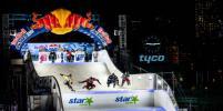 Американские райдеры победили на этапе чемпионата мира по скоростному спуску на коньках Red Bull Crashed Ice